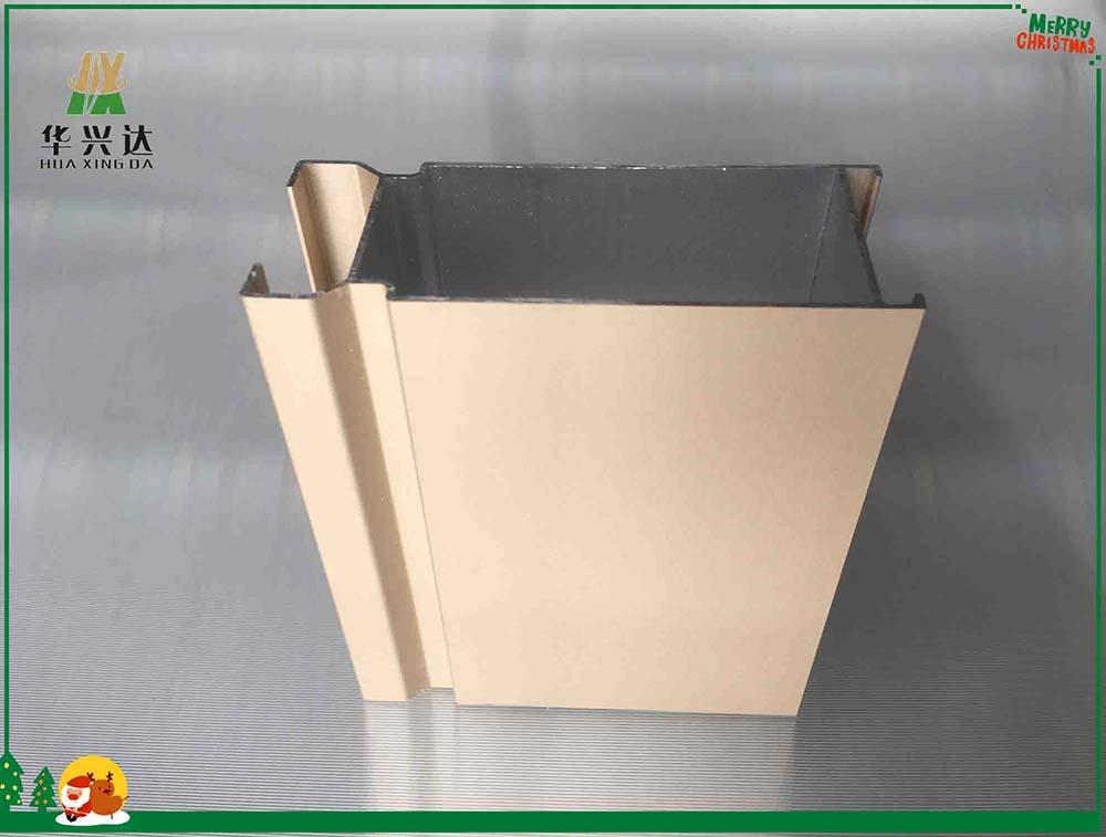 一,平开门型材双牵引设备结构分析